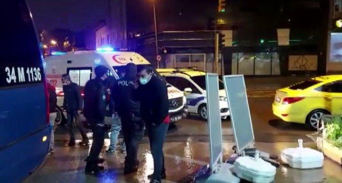 Minibüs ile ticari taksinin çarpışması sonucu bir kişi yaralandı