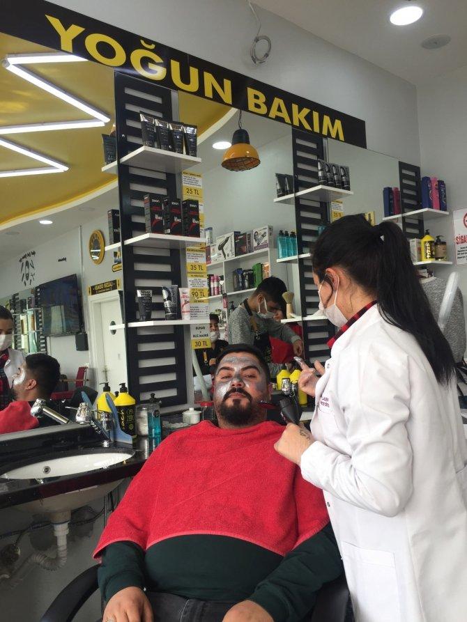 Adana'da bir berberde