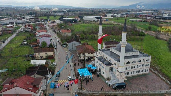 Başiskele'nin en büyük camisi Karadenizliler Merkez Cami ibadete açıldı