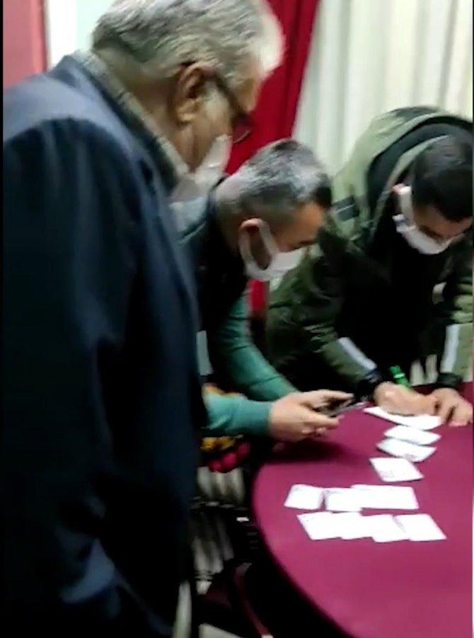 Kırıkkale'de bir apartman dairesini kahvehaneye çevirip kumar oynadılar