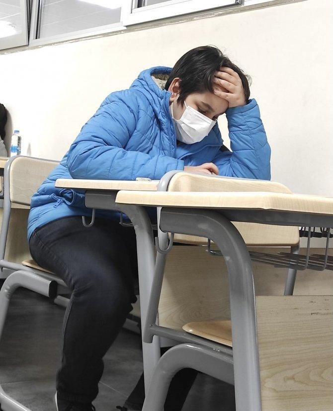 Öğrenciler burs için ter döktü, YEGEM'de bursluluk sınavı yapıldı