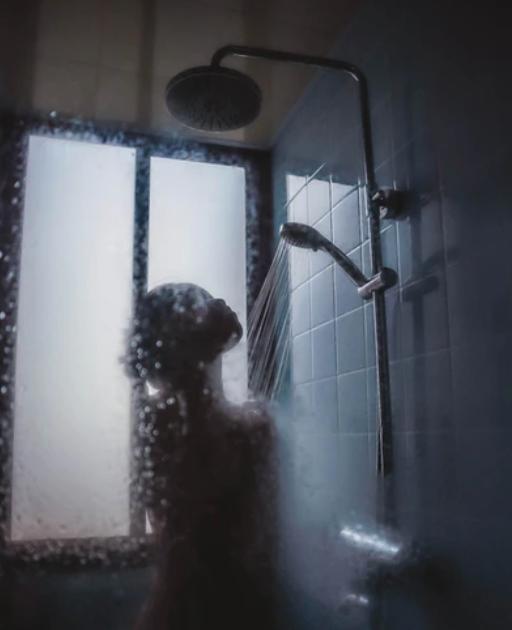 Uzman isim uyardı! Koronavirüs hastaları için hayat kurtaran tavsiye: Sıcak duş almayın!