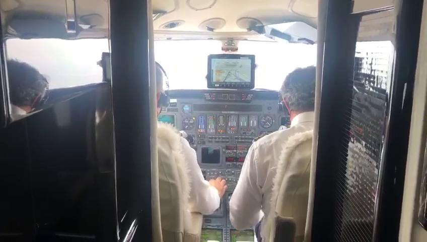 Bakan Pakdemirlinin arızalanan uçağı hangara çekildi