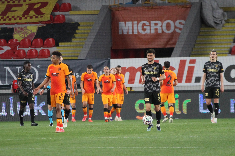 Kerem Aktürkoğlu şov yaptı! Galatasaray, Göztepe'yi 3 golle geçti