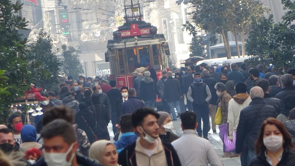 Bilim Kurulu Üyesi Doç Dr. Afşin Emre Kayıpmaz'dan Ramazan uyarısı: Herkes hane halkıyla geçirmeli!