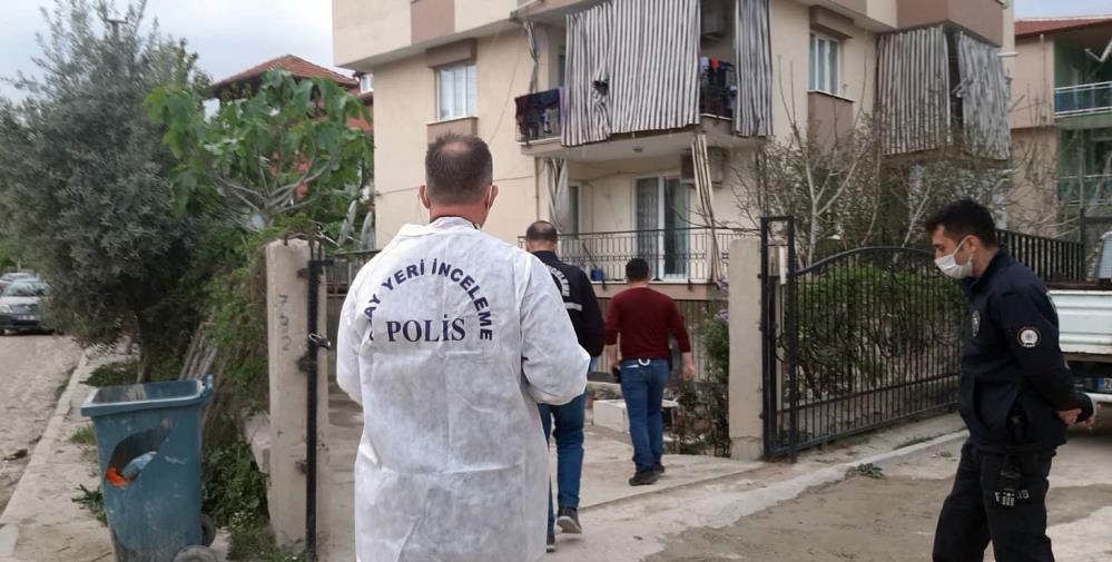 Denizli'de baba-oğul kavgası kanlı bitti: Oğluna silah doğrultan baba 6 yerinden bıçaklandı!