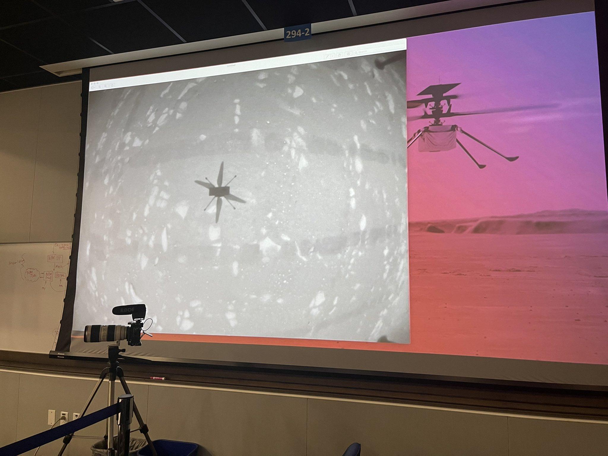 SON DAKİKA NASA Mars ta ilk kez helikopter uçurdu