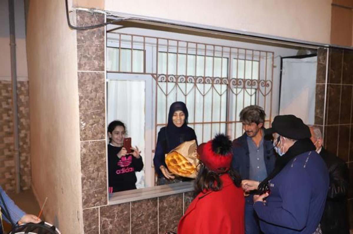 Safiye Soyman- Faik Öztürk çiftinden sahur devriyesi!