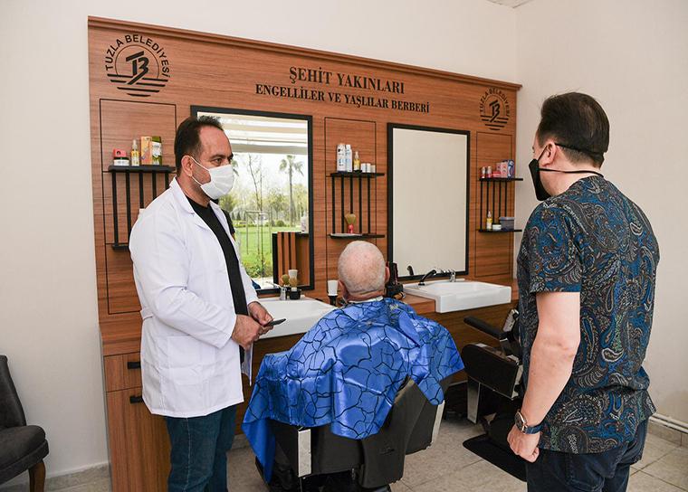 Tuzla'da koronavirüs sürecinde ücretsiz berber hizmeti başladı!