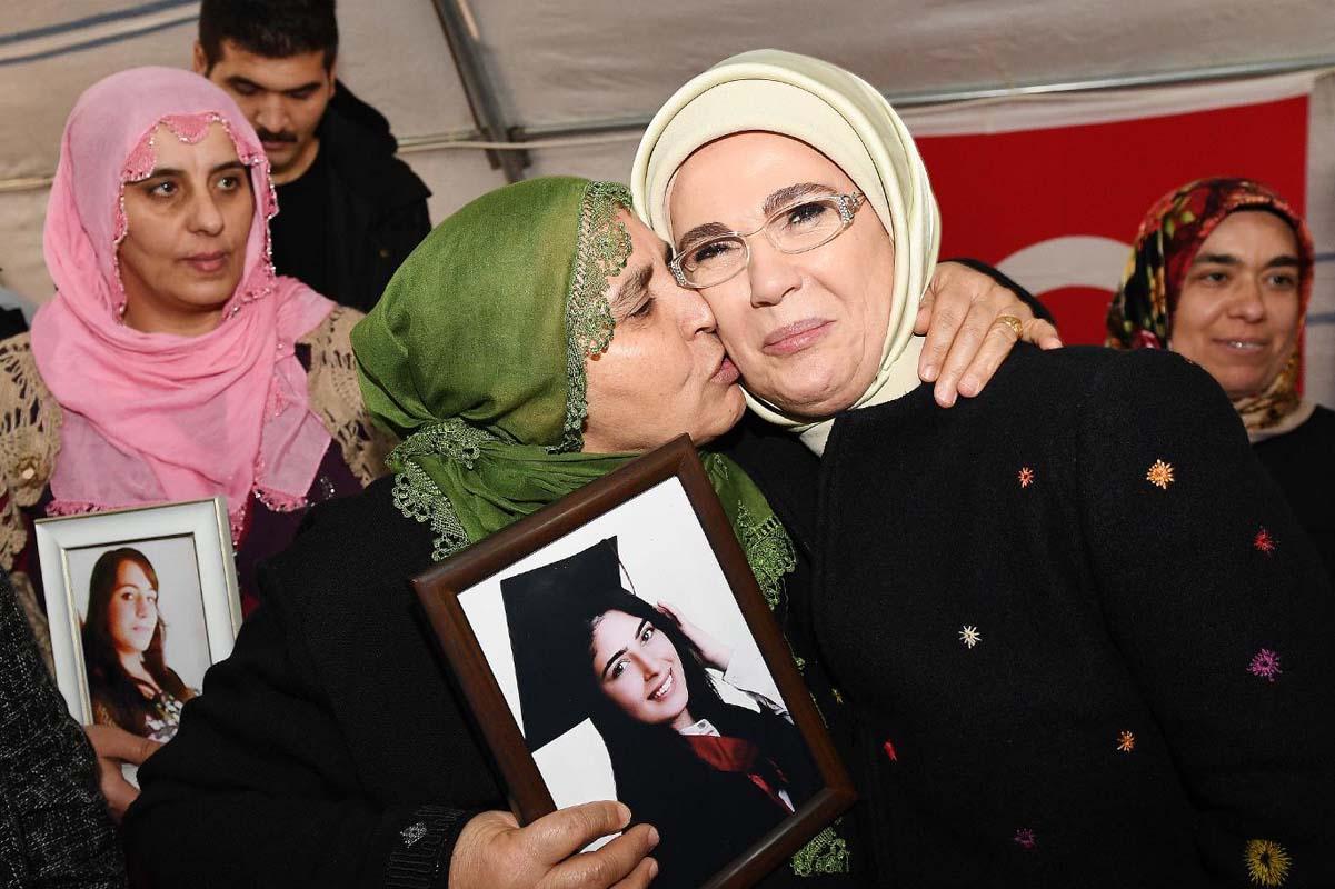 Diyarbakır annelerine moral yemeği: İftarda Cumhurbaşkanı Erdoğan eşlik edecek!