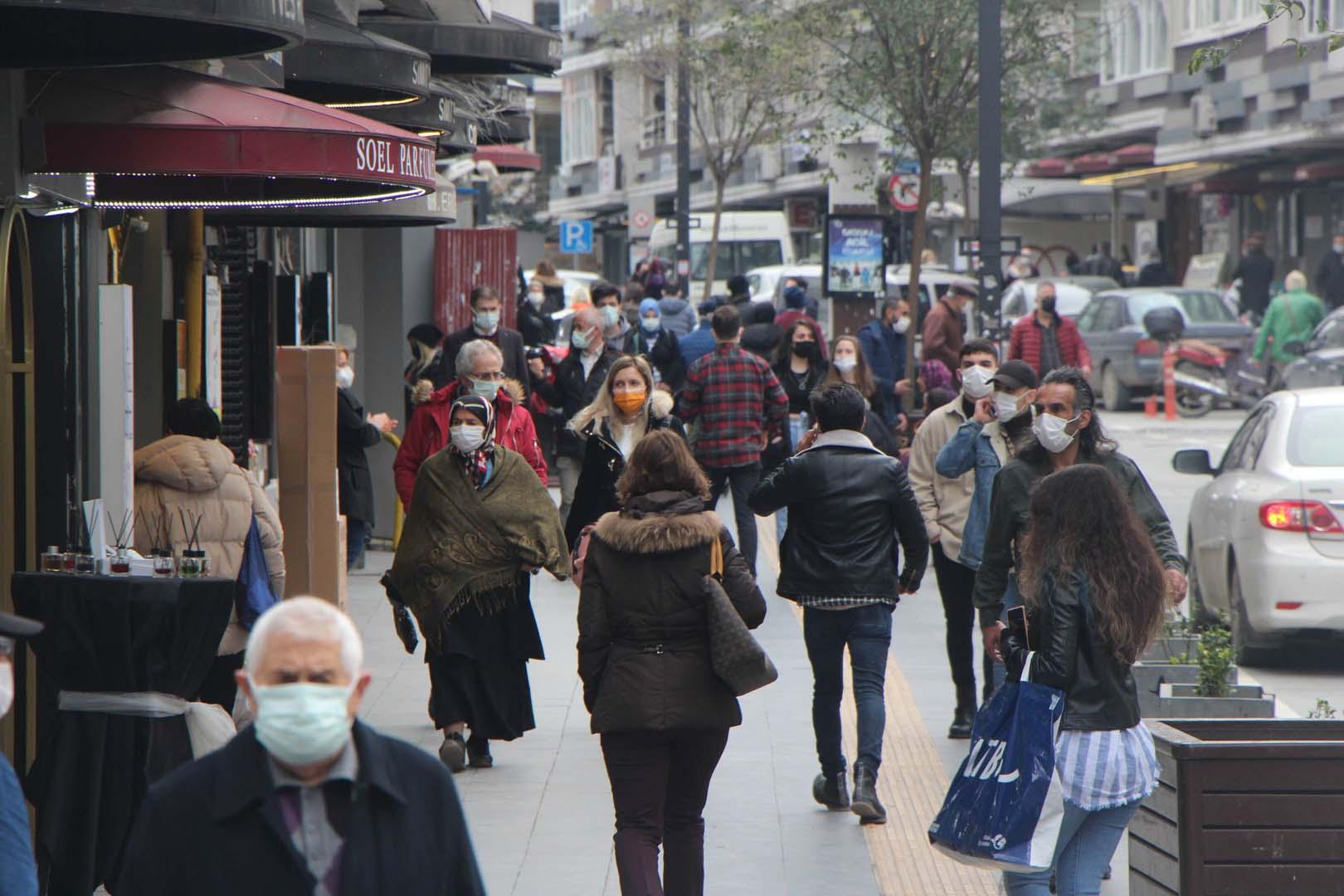 Gazeteci Deniz Zeyrek aşama aşama yazdı! 17 Mayıs'tan sonra yasaklar kalkıyor: Sokağa çıkma yasağı , kafe, lokanta, aşılama...