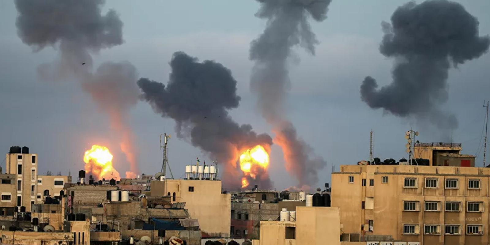İsrail, Gazze'deki çok katlı El-Şuruk Kulesi'ni vurarak yıktı!