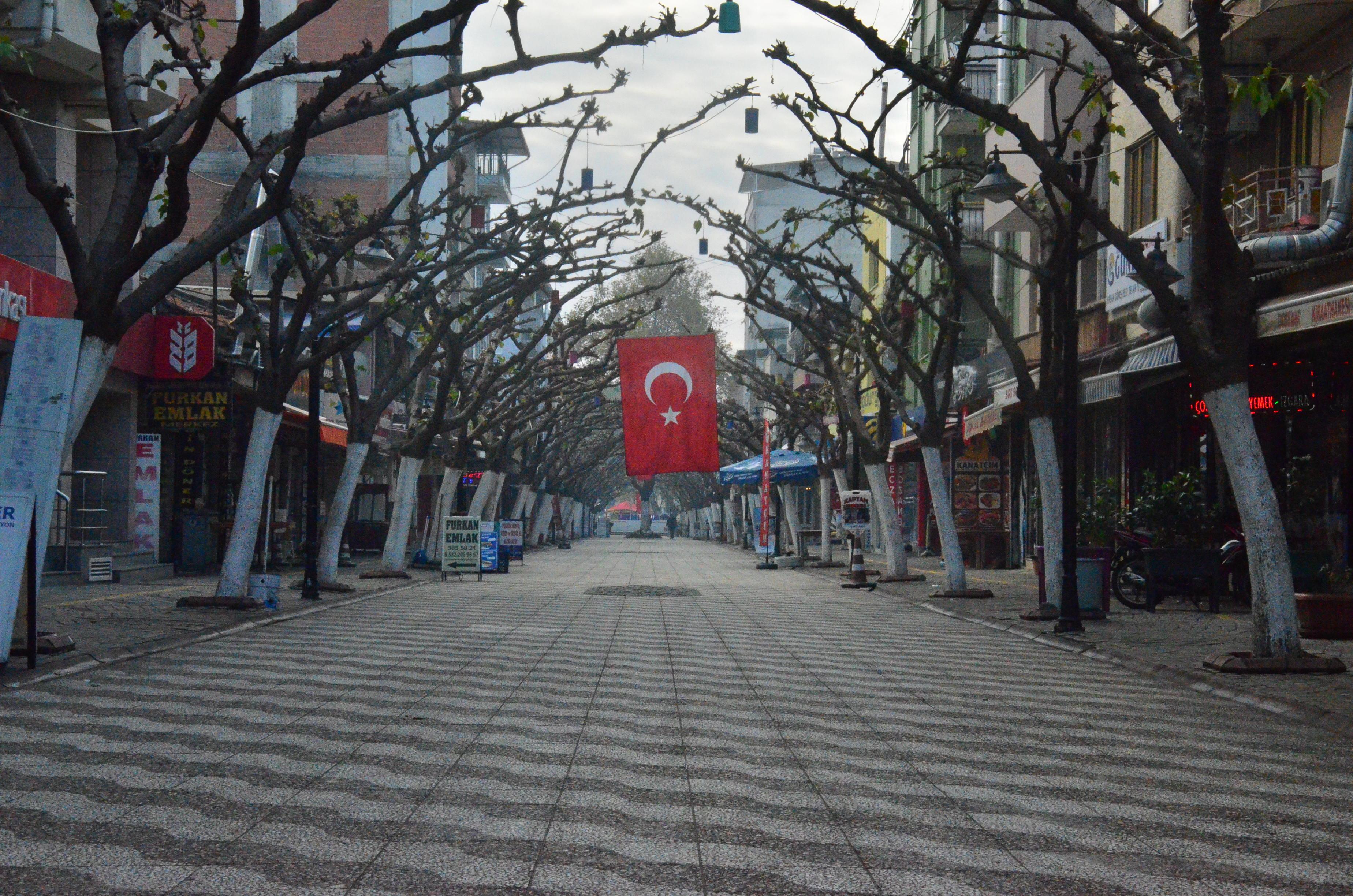 Bilim Kurulu Üyesi Prof. Dr. Levent Akın'dan dehşet veren açıklama: Vaka sayısında 5 binlere ancak temmuzda düşeriz!