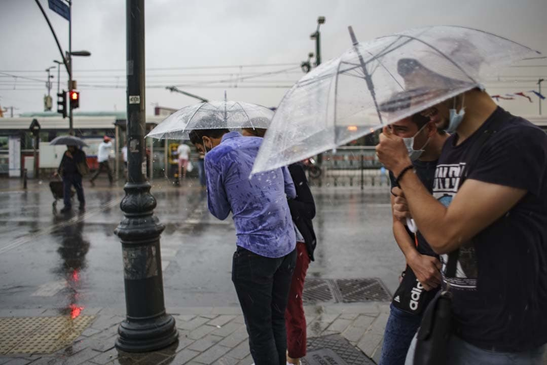 Meteoroloji'den sarı kodlu uyarı: İstanbul ve Trakya için saat verdi! Sel, su baskını, kuvvetli rüzgar...