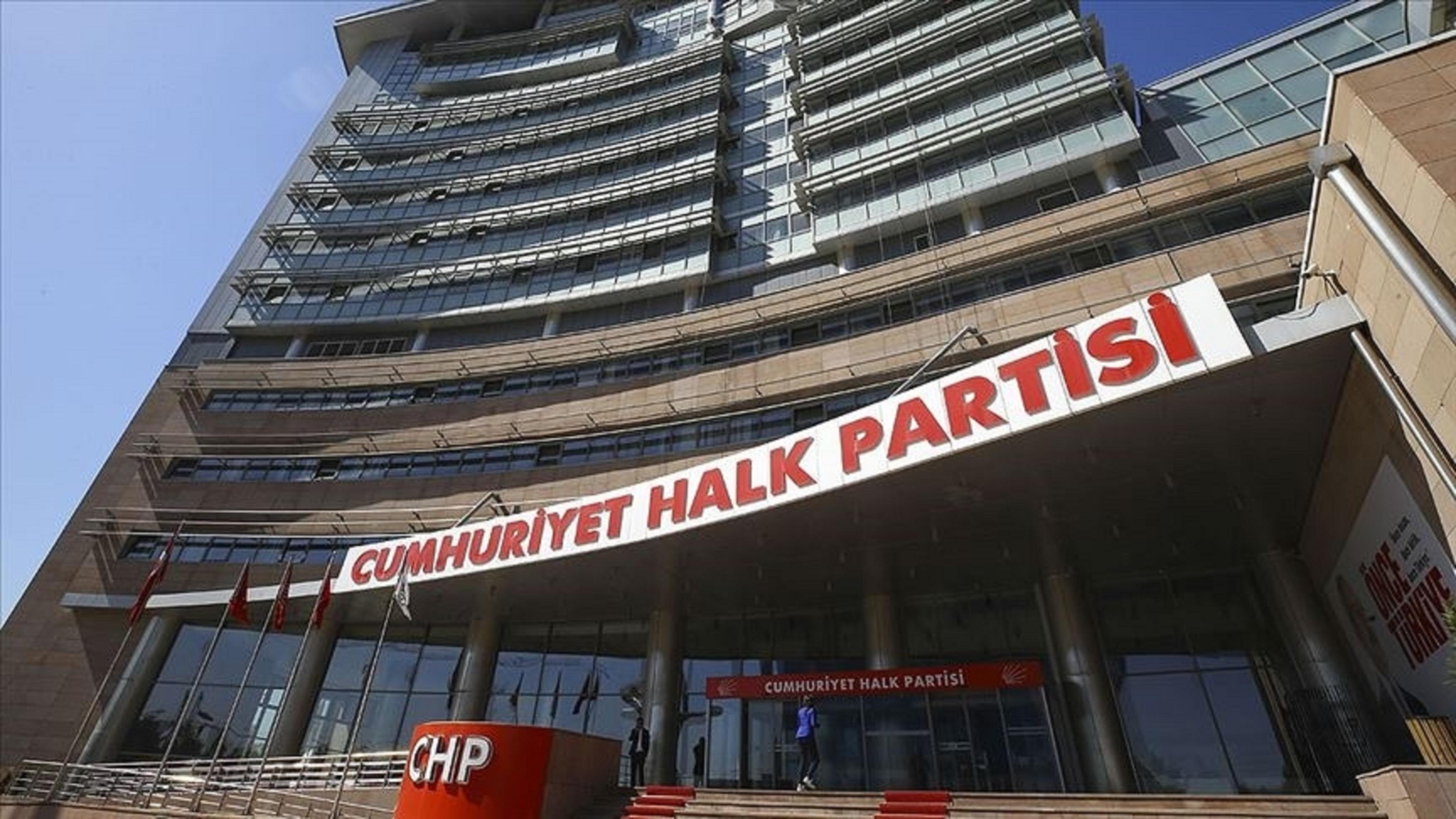 CHPde skandallar bitmiyor! İlçeye giriş çıkış yapan araçlardan para aldığı ortaya çıkmıştı! CHPli belediye başkanı disipline sevk edildi