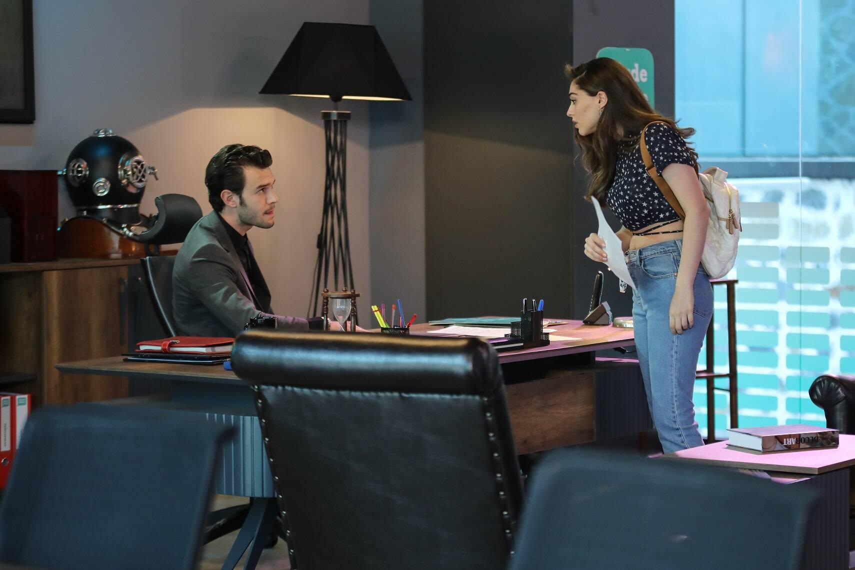 Baht Oyunu dizisinin başrolleri hakkında bomba iddia! Aytaç Şaşmaz ile Cemre Baysel'in aşk yaşadığı söyleniyor!