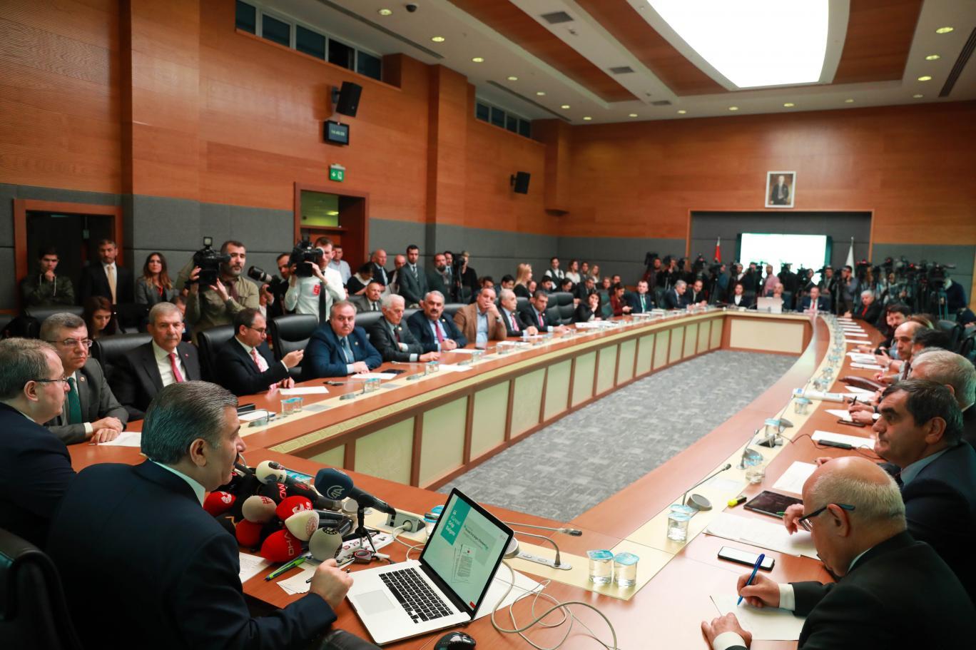 Koronavirüs Bilim Kurulu'ndan sürpriz toplantı kararı! Sağlık Bakanı Koca açıklama yapacak!