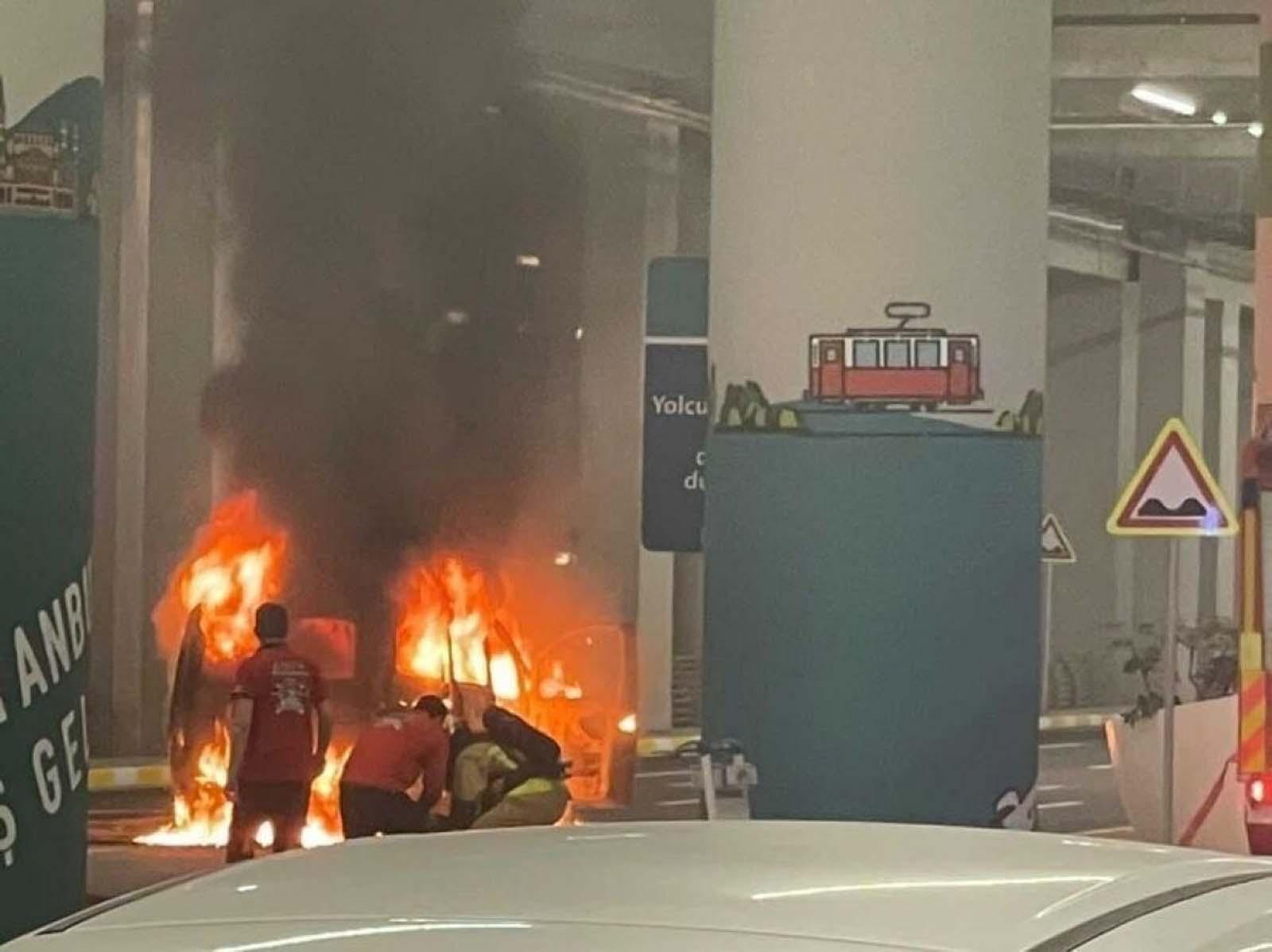 İstanbul Havalimanı'nda korkutan anlar: Alevler içinde kaldı!