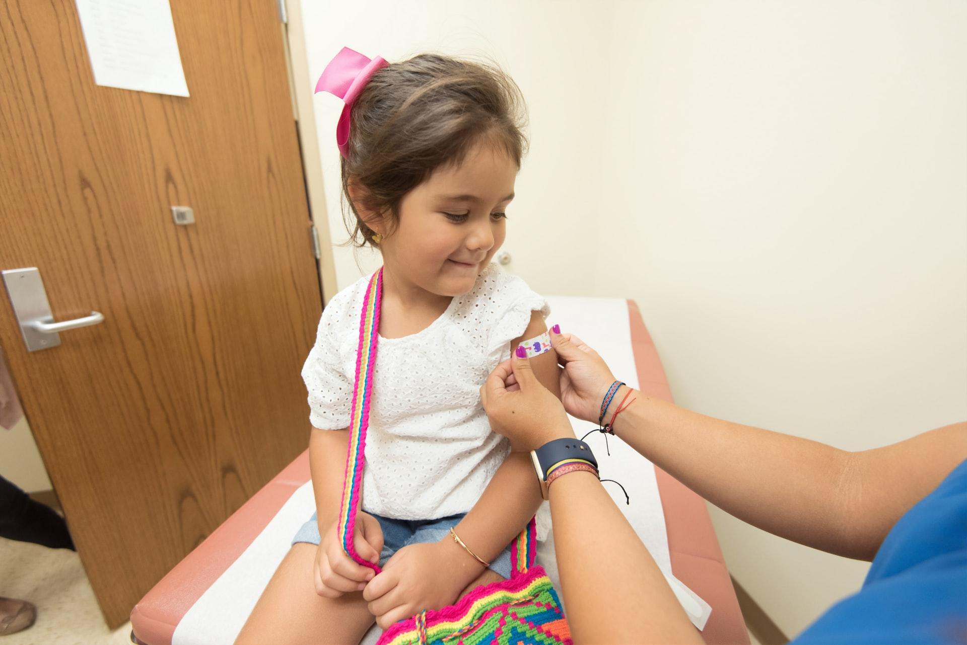 Bilim Kurulu Üyesi Prof. Dr. Serap Şimşek Yavuz yanıtladı: Çocuklara koronavirüs aşısı yapılacak mı? 'Dozu azaltılarak yapılabilir'