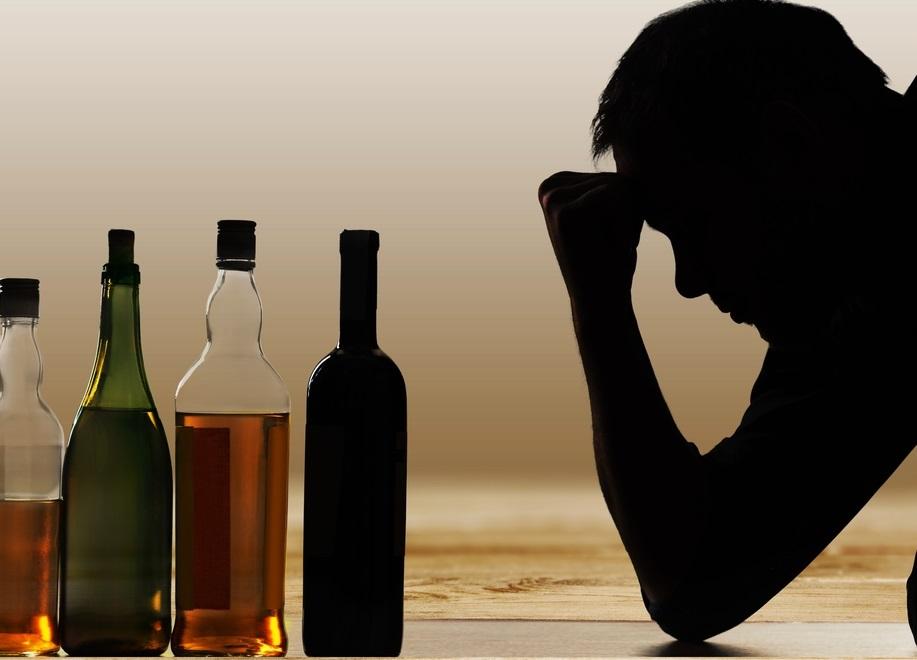 Gece saatlerinde hastanelere koştular! Tekirdağda sahte içki skandalı! Zehirlenen 11 kişi yoğun bakımda