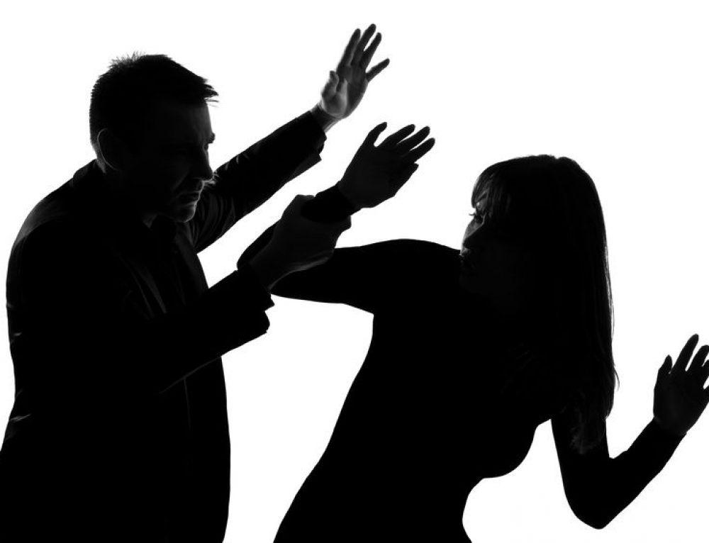 Boşanma aşamasındaki eşine dehşeti yaşattı: Zorla evine girdi, hap içirdi, bıçakla yaraladı