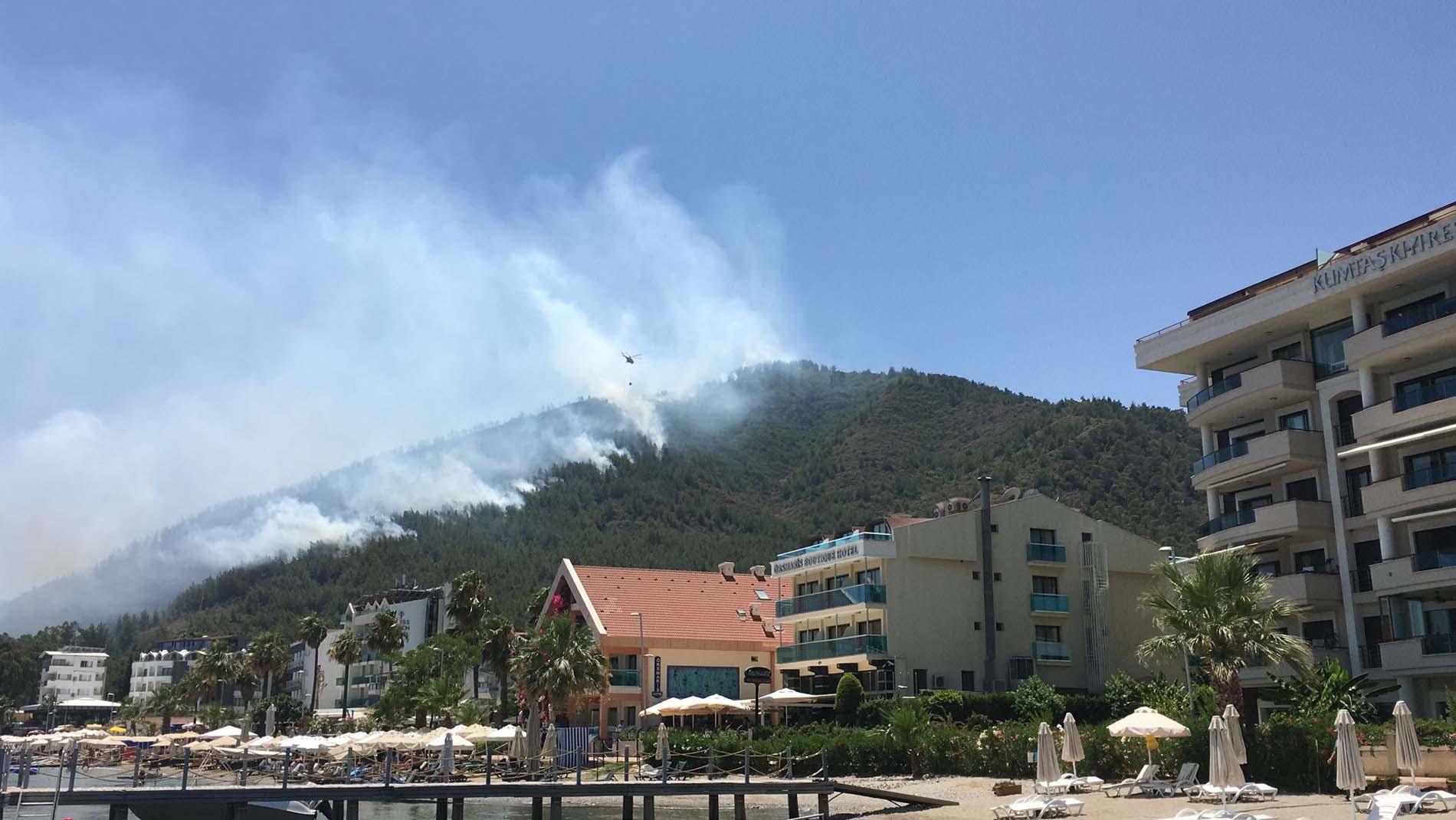 Son dakika | Muğla Marmaris'te orman yangını çıktı! Ekipler müdahale ediyor, dumanlar göğü kapladı