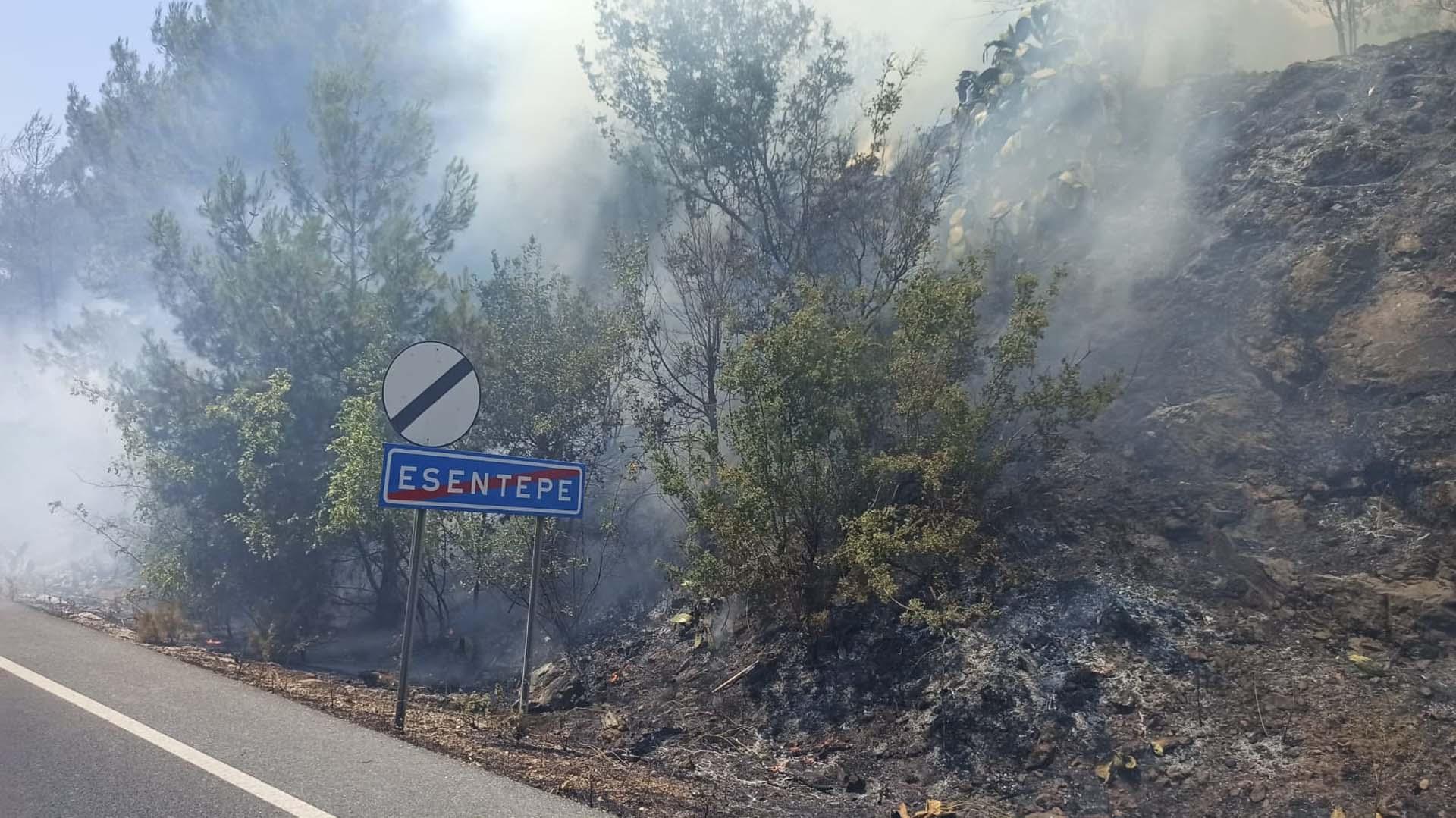 Muğla Ula'da orman yangını! Evler boşaltıldı, Muğla-Fethiye kara yolu ulaşıma kapatıldı