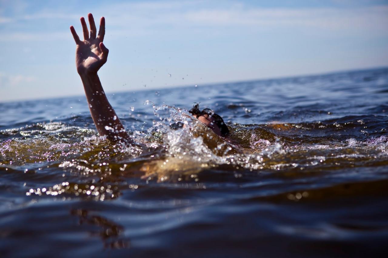 Arkadaşların kayık gezintisinde feci son! Kayık alabora oldu, göle düşen 4 kişiden biri boğuldu