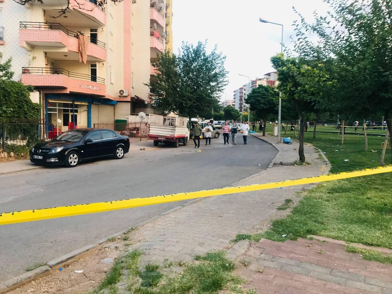 Kurşunlar havada uçuştu, ortalık savaş alanına döndü! Diyarbakır'da silahlı çatışma:2 ölü, 15 yaralı