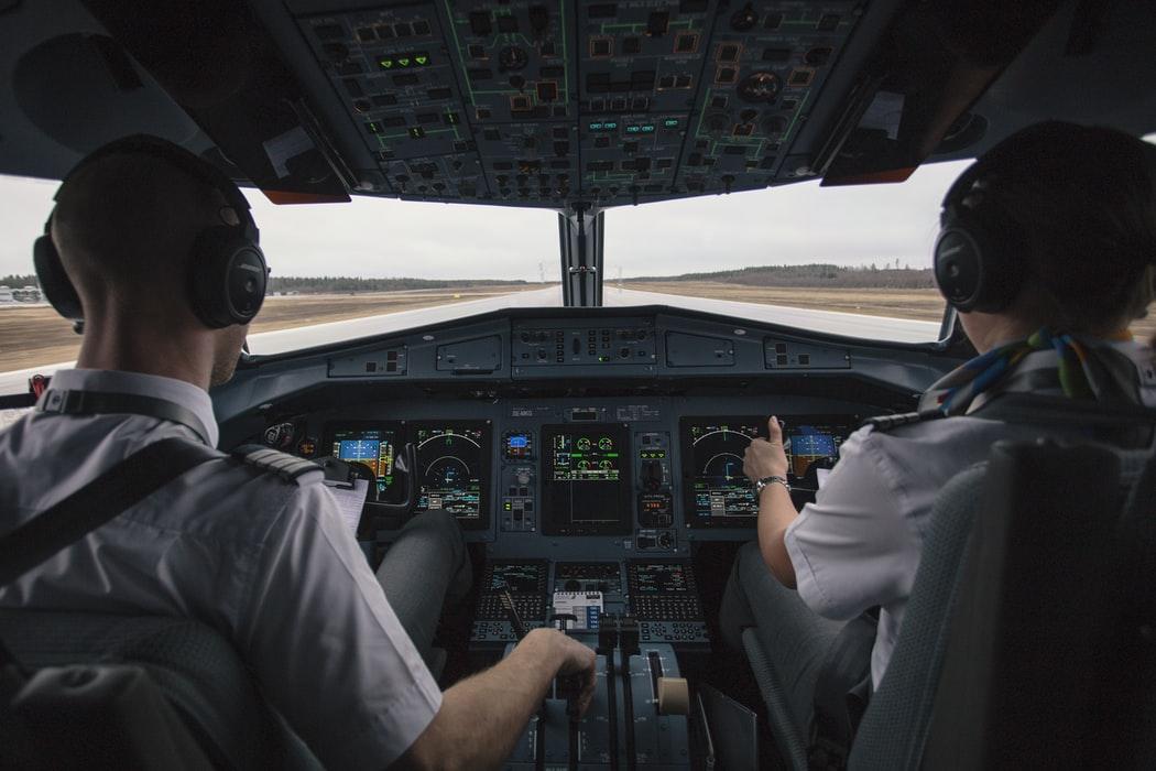 SON DAKİKA | Motor arızası yaşayan uçak havalimanına inemeden suya çakıldı