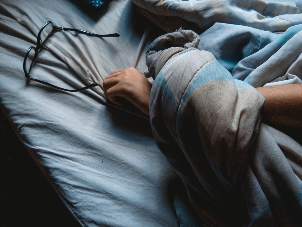 Bağırsak problemleri, mide yanması ve kilo artışı... Uyku düzensizliğinin ardındaki riskler!