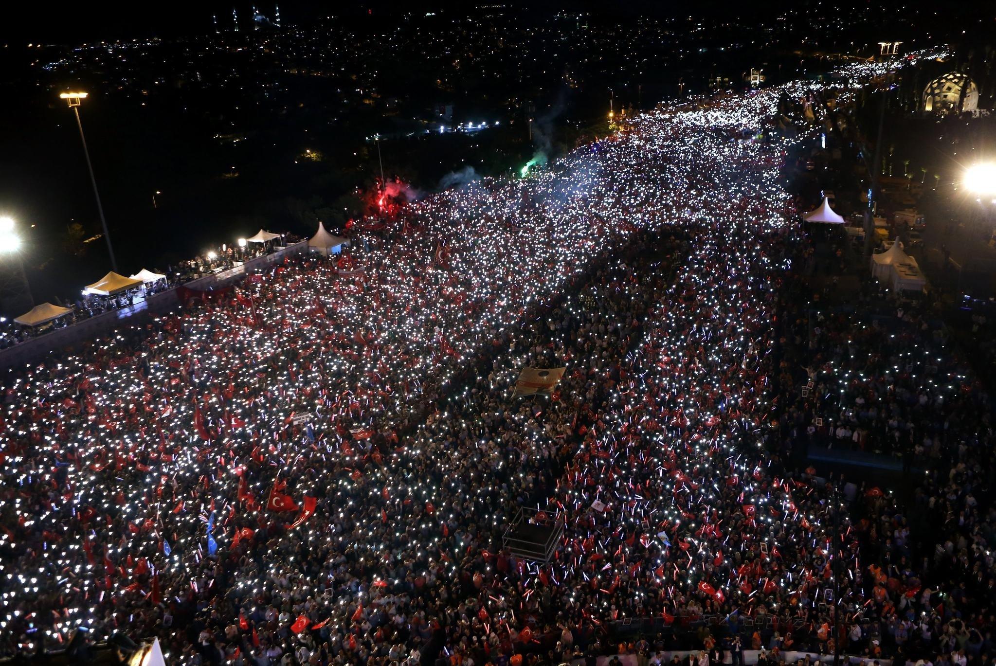 15 Temmuz Demokrasi ve Milli Birlik Günü milli bayram mı?