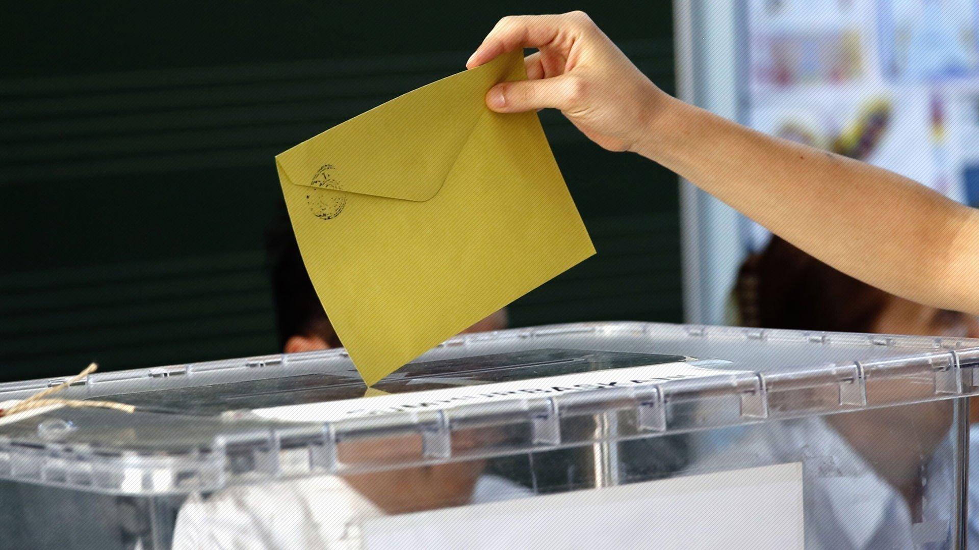 MetroPOLL'un seçim anketinde çarpıcı sonuçlar! Genç nüfus tercihini yaptı, zirve değişmedi
