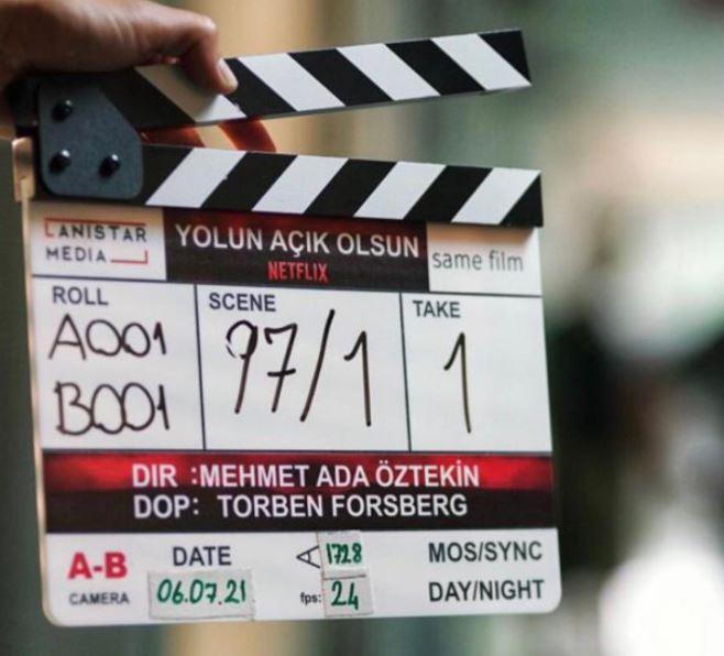 Tolga Sarıtaş ve Engin Akyürek'i buluşturan filmin çekimleri başladı! Filme sürpriz bir isim de dahil oldu!