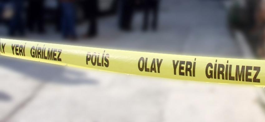 İstanbulda feci kaza! Karşıdan karşıya geçmeye çalışırken beton mikserinin altında kaldı |Asfalt kana bulandı, talihsiz kadının bacağı koptu