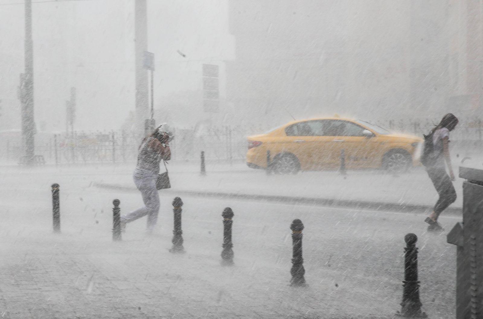 Şiddetli yağışlar hayatı olumsuz etkileyecek   Ani sel, su taşkınlarına dikkat! 8 Temmuz 2021 Perşembe il il, haritalı hava durumu