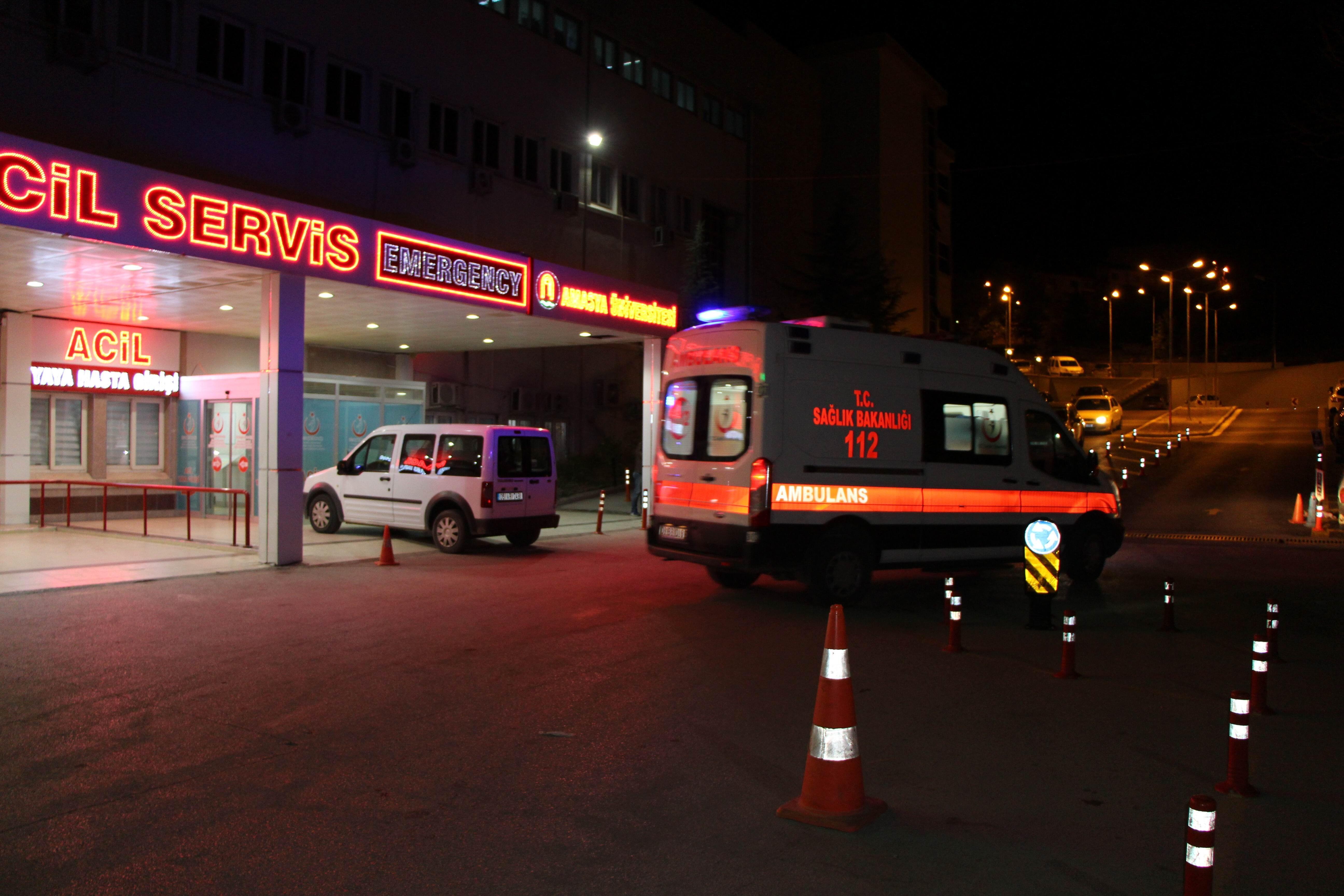 Kuzey Marmara Otoyolunda tır devrildi: 2 kişi feci şekilde can verdi, yakınları sinir krizi geçirdi