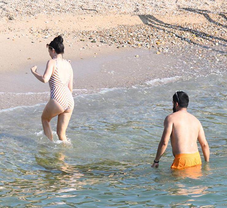 Gözde çift tatil sezonunu açtı! Fahriye Evcen ve Burak Özçivit'in keyifli halleri objektiflere yansıdı