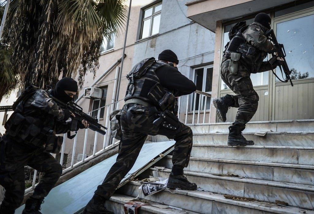 Sedat Peker'e bir şok daha: Suç örgütüne yeni operasyon! 15 kişi gözaltına alındı!
