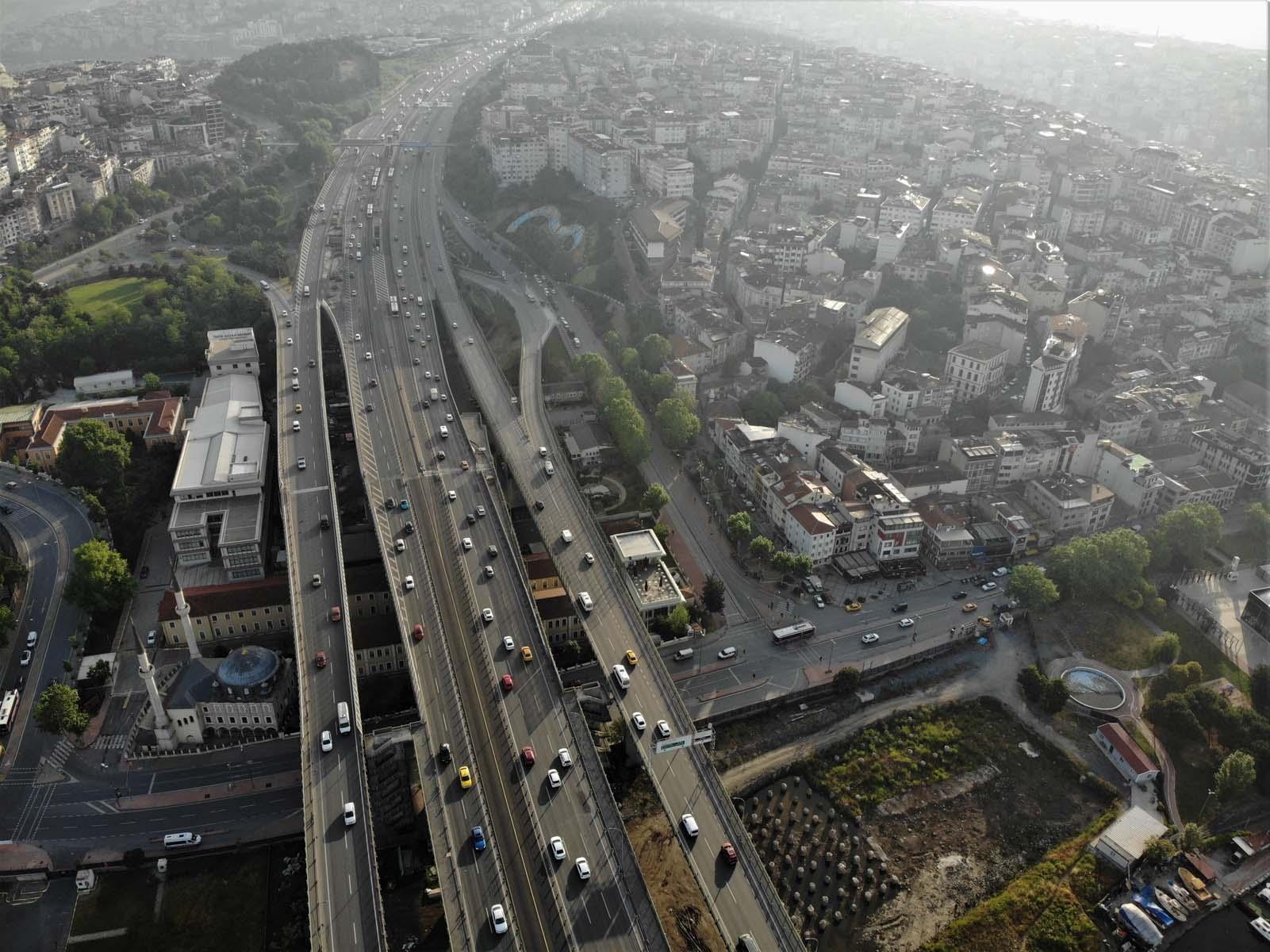 Binlerce vatandaş sosyal medyadan ses yükseltti! Otomobil fiyatlarındaki yüksek ÖTV için çözüm istediler