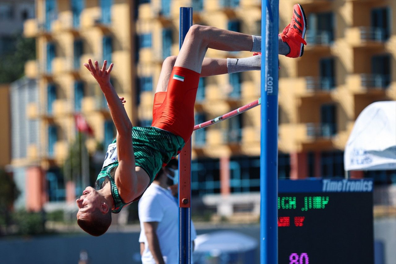 Milli atlet Pınar Akyol'dan gururlandıran başarı: Gülle atmada altın madalya kazandı!