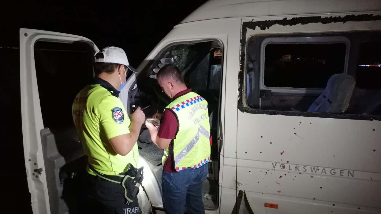 Konya'da mevsimlik işçileri taşıyan minibüs kaza yaptı: 1 ölü, 14 yaralı!