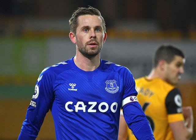 Futbol camiası bu skandalla çalkalanıyor! Evertonlı yıldız çocuk istismarından tutuklandı
