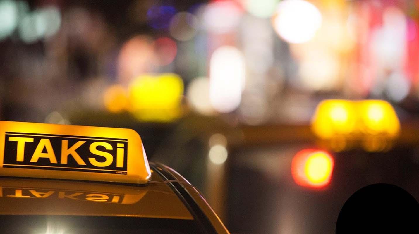 İstanbul Büyükşehir Belediyesi tarafından 400 havalimanı taksisi bağlandı!
