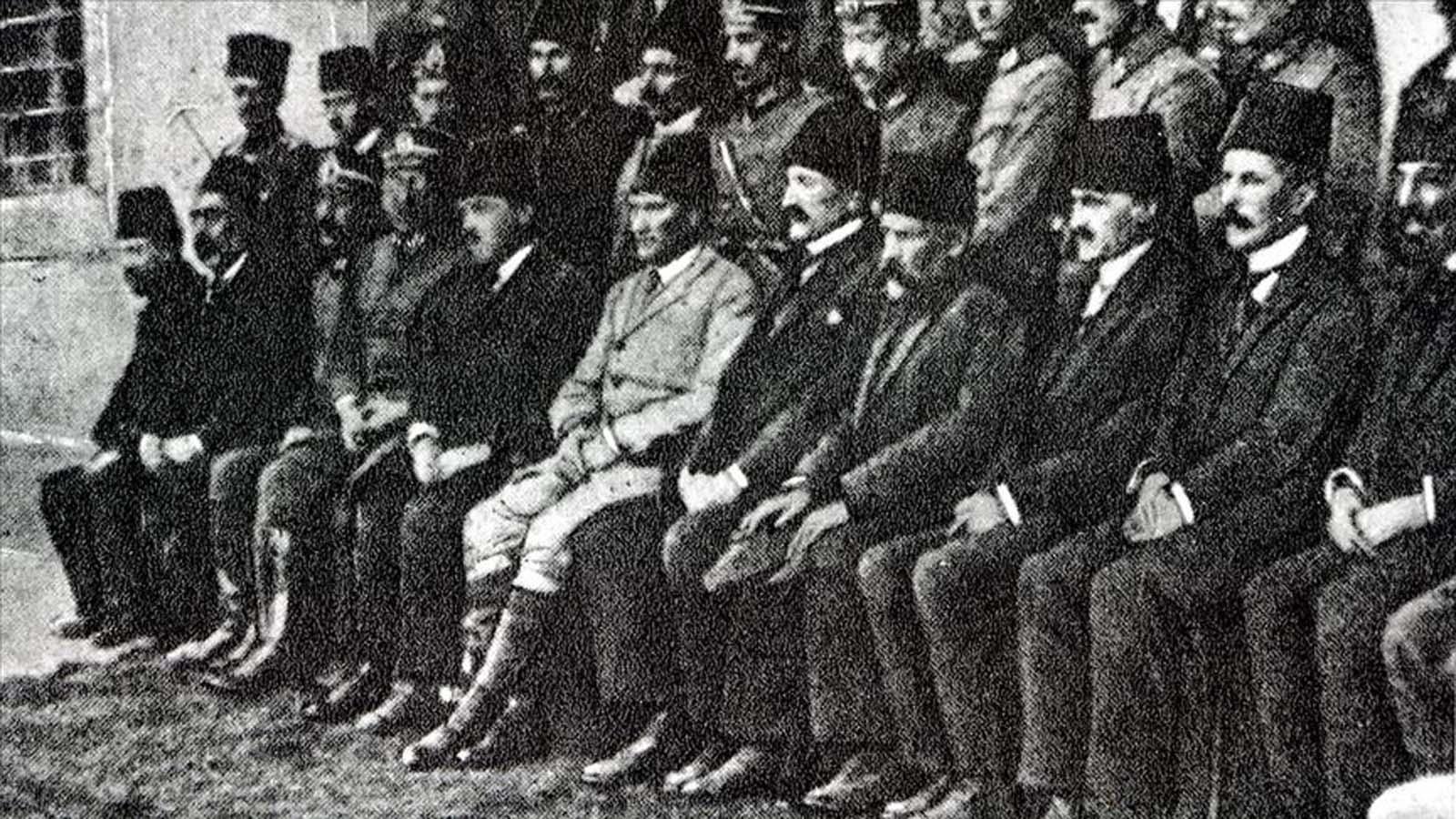 Milli iradenin dünyaya ilan edildiği mücadele: Erzurum Kongresi'nin 102. yıl dönümü için etkinlikler yapıldı