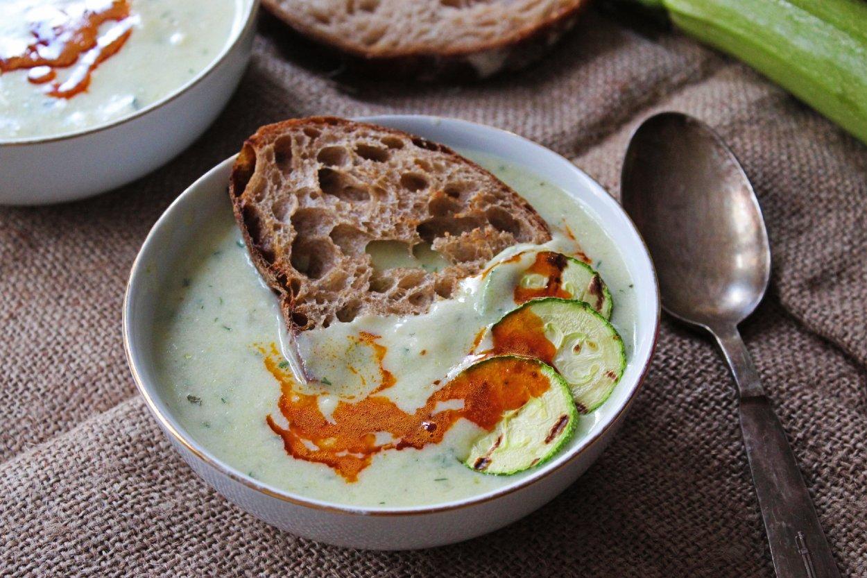 Masterchef Ciğerli Taze Kabak Çorbası nasıl yapılır?   Taze kabak çorbası ciğerli tarifi, malzemeleri nelerdir?