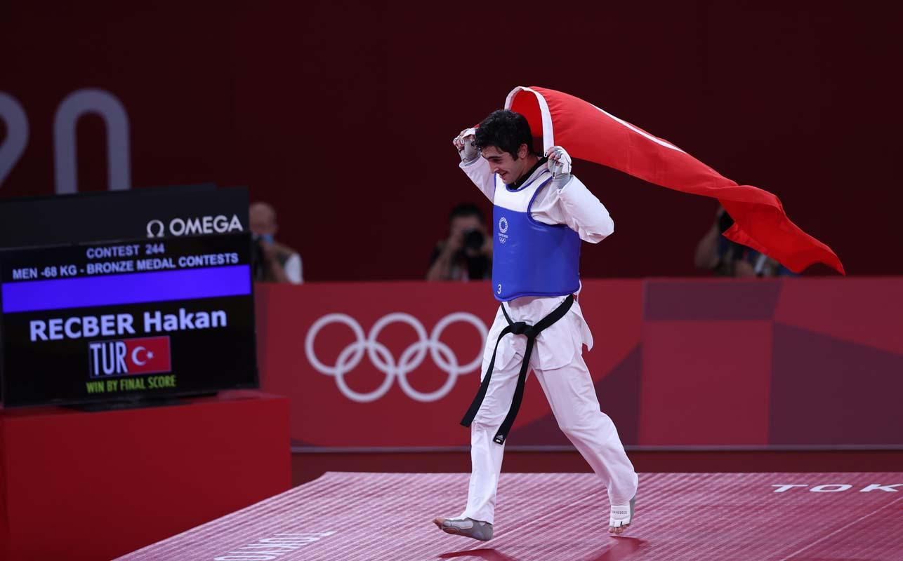 SON DAKİKA |Olimpiyatlardaki ilk madalyamız tekvandodan! Hakan Reçber ve Hatice Kübra İlgün bronz madalya kazandı