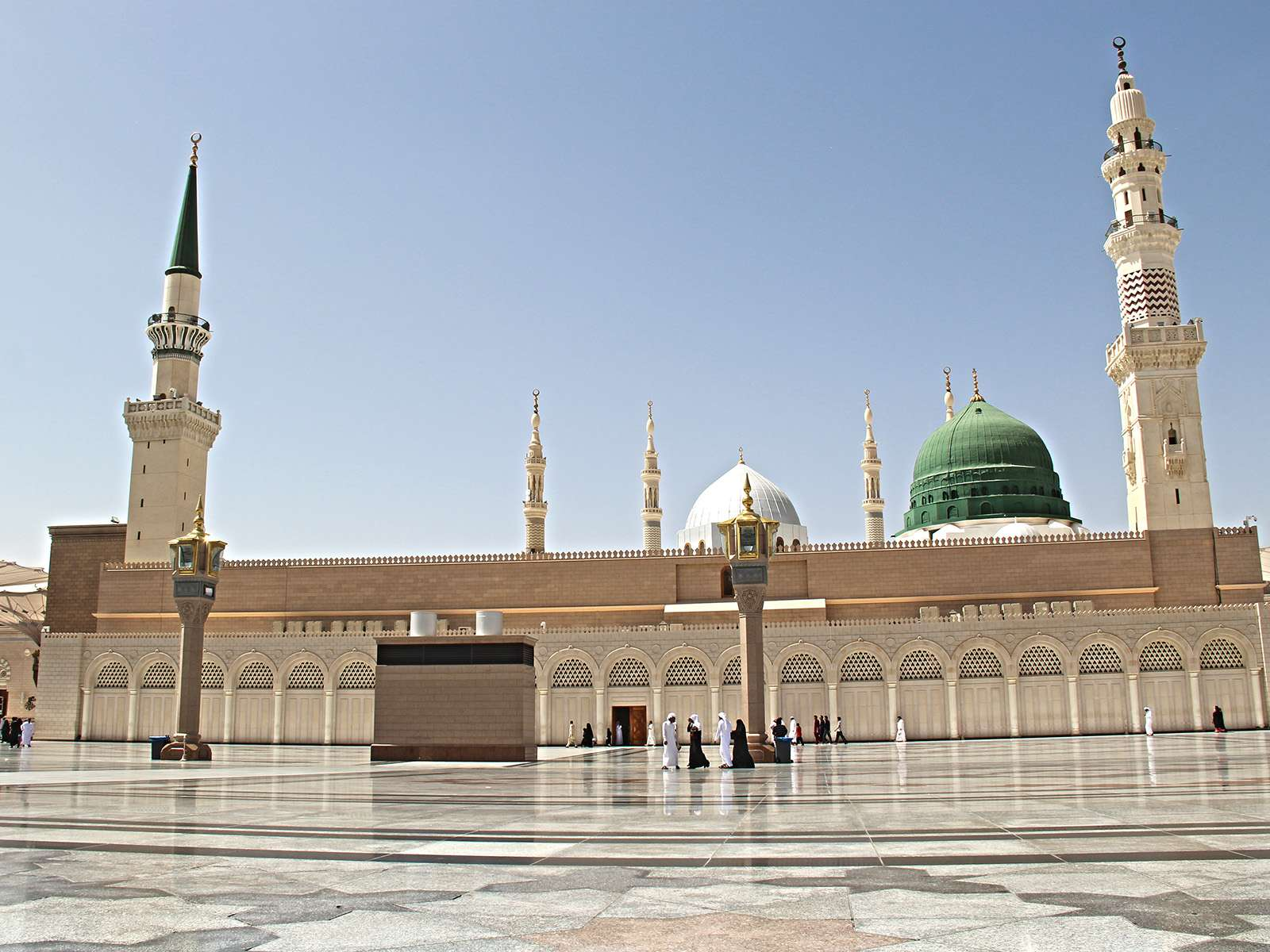 Kutsal topraklara özlem sona eriyor! Suudi Arabistan umre sezonunun başladığını duyurdu