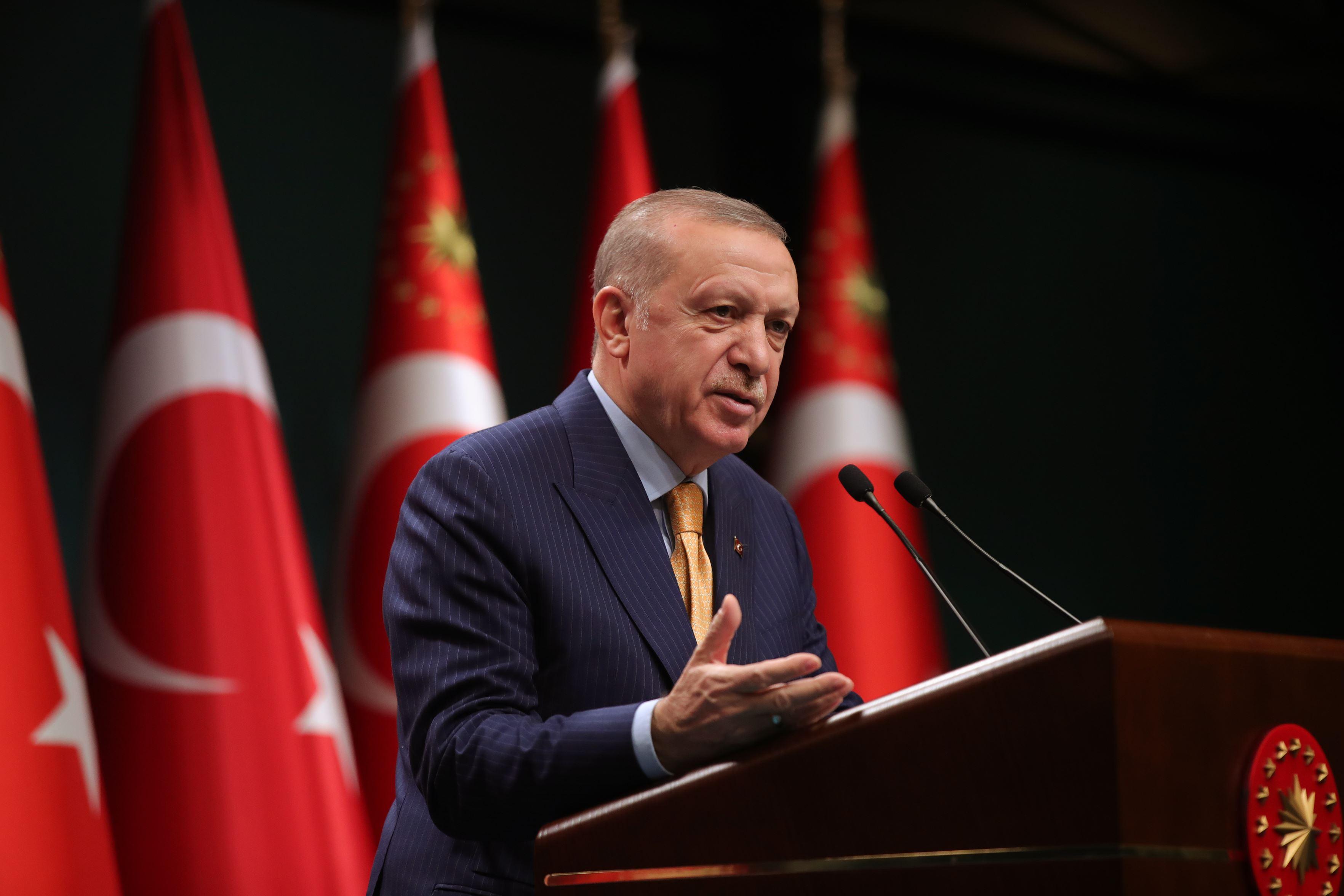 Deniz Baykal, Cumhurbaşkanı Erdoğan ile yaptığı görüşmeyi anlattı! Zülfü Livaneli'ye sitem etti