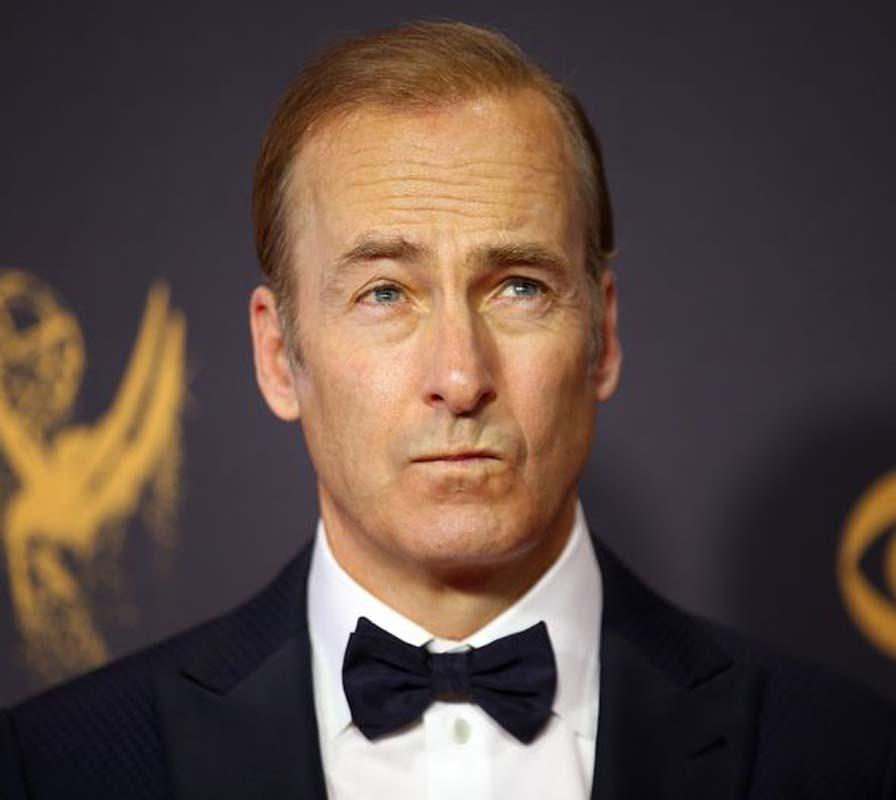 Breaking Bad dizisinin Saul Goodman'ı Bob Odenkirk'ten kötü haber! Sette fenalaştı!